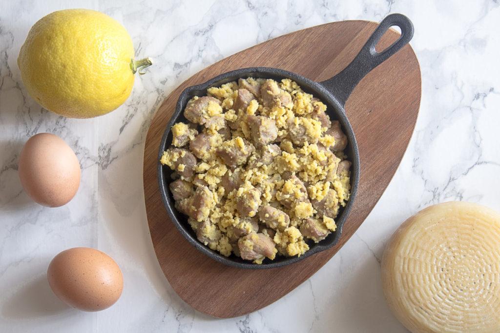 Agnello cacio e uova in padella