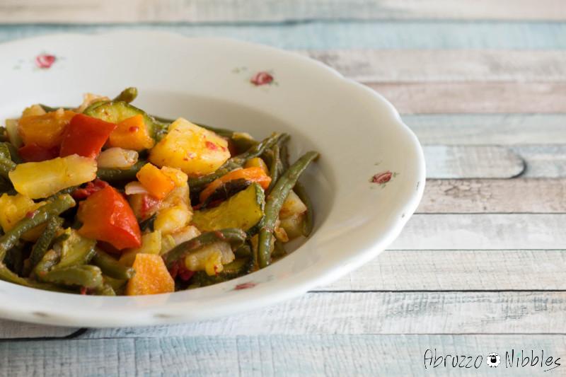 Piatto di ciabbotta, ricetta abruzzese vegana
