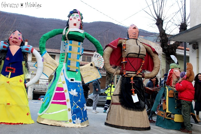 La Segnora e le pupazze a Villavallelonga, L'Aquila, Abruzzo